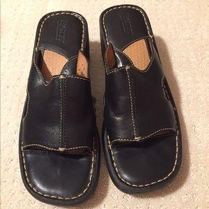 Born Black Leather Wedge Sandal, size 8